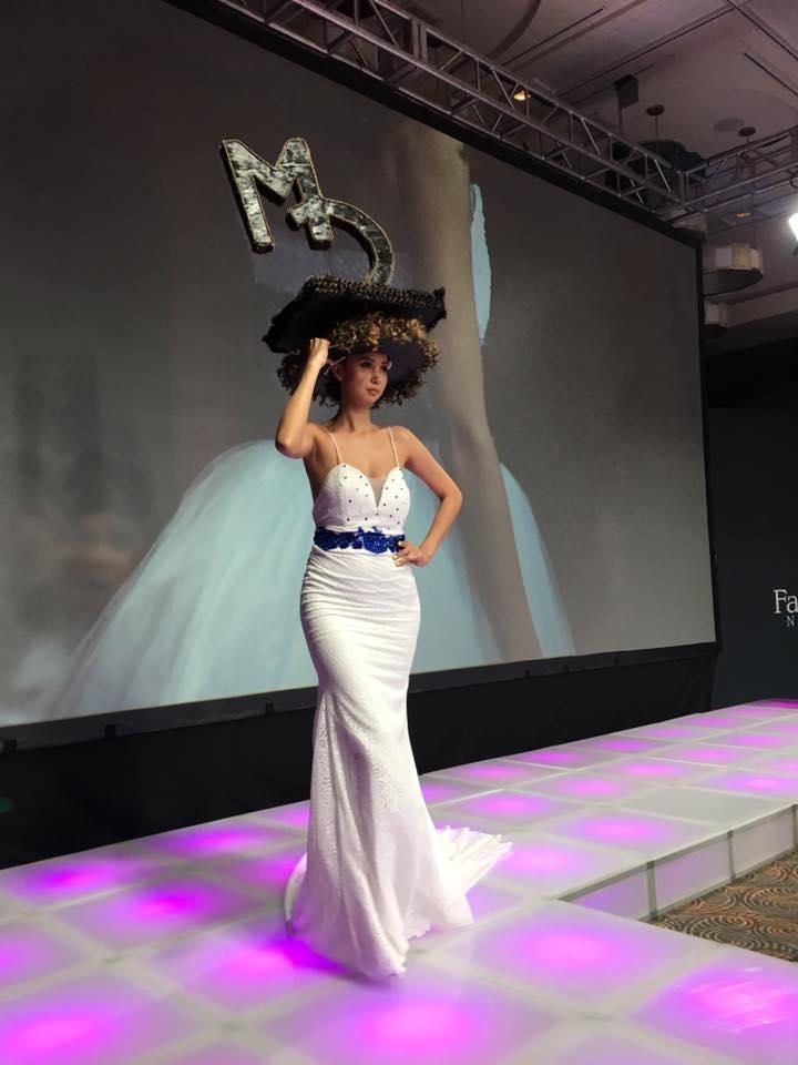 """Фото: среди моделей монгольский """"Новая Неделя моды этап-Йорк""""."""
